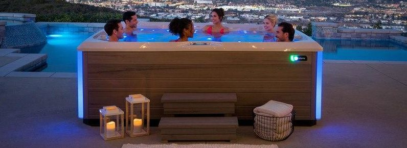 Salt Water Hot Tubs VS Chlorine: Which Is Right For Your Family?